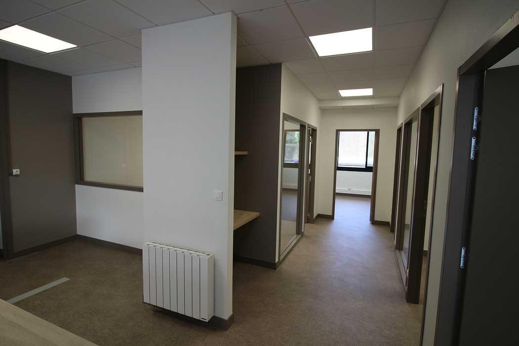 Rénovation d''un local commercial en bureau à Saint-Brieuc (22) 0